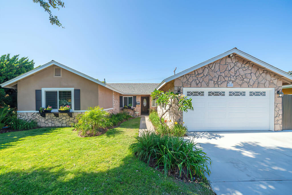 5801 Spa Dr Huntington Beach CA